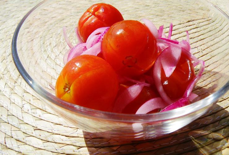 たまねぎとミニトマトのメープルマリネ